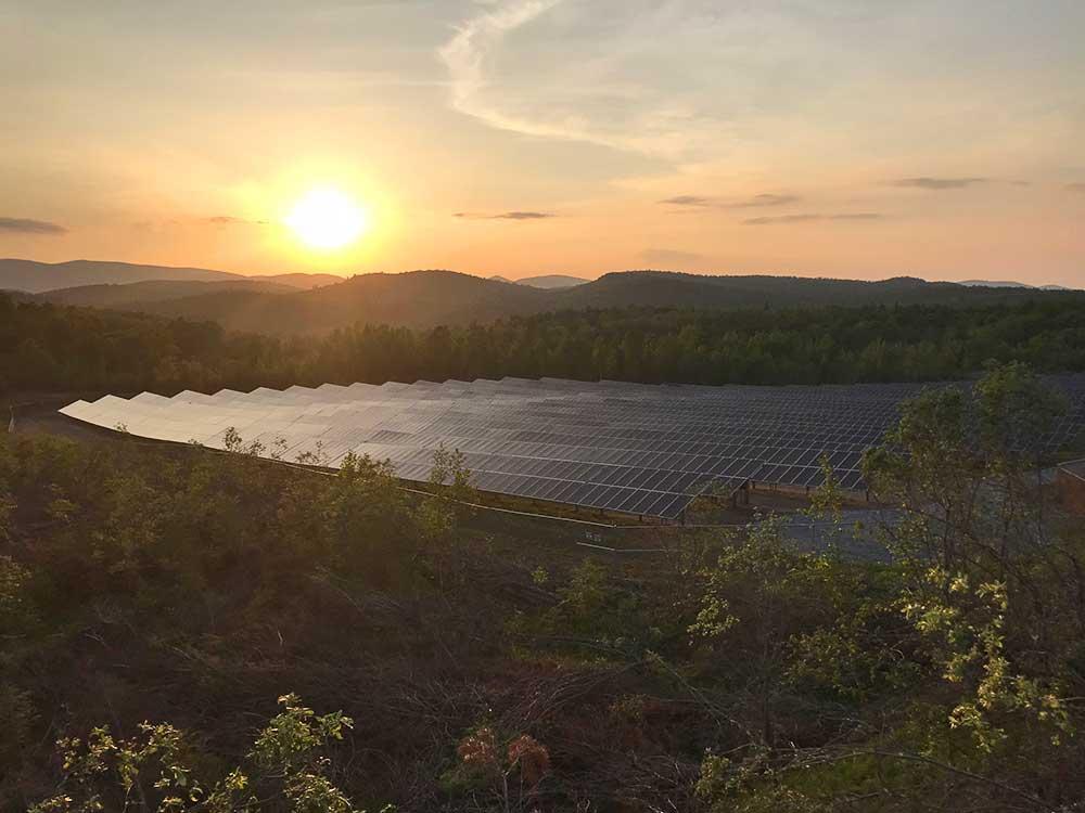 6,700 panel solar farm located at former Barton mine site